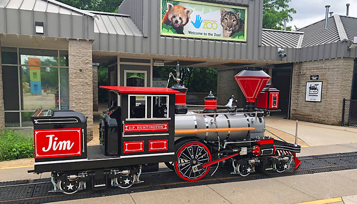 Electric C.P. Huntington Train at the Lincoln Zoo